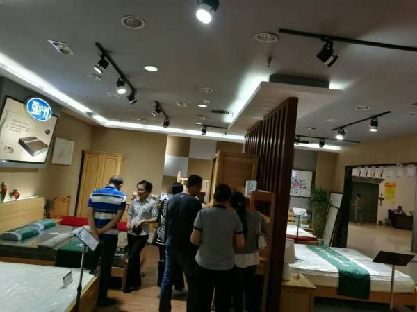 安徽蚌埠百强家具使用易管E8家具软件