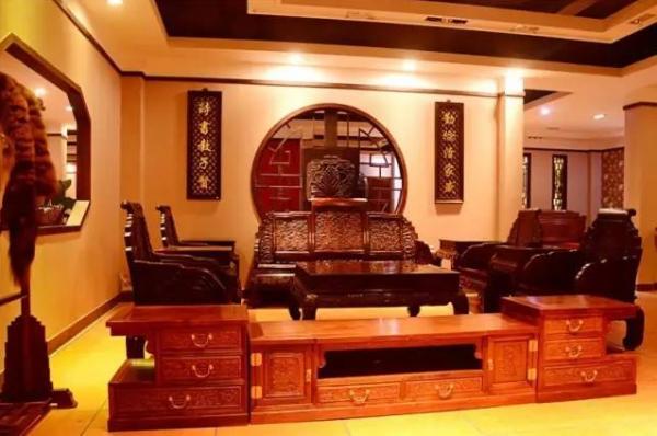 东莞广盛雅红木使用易管家具管理软件